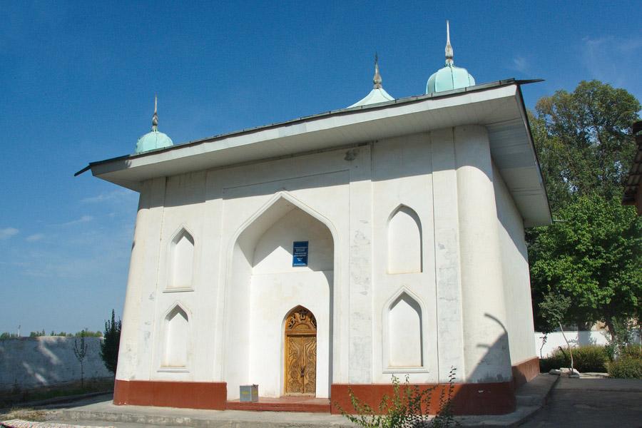 khodja-maggiz-mausoleum