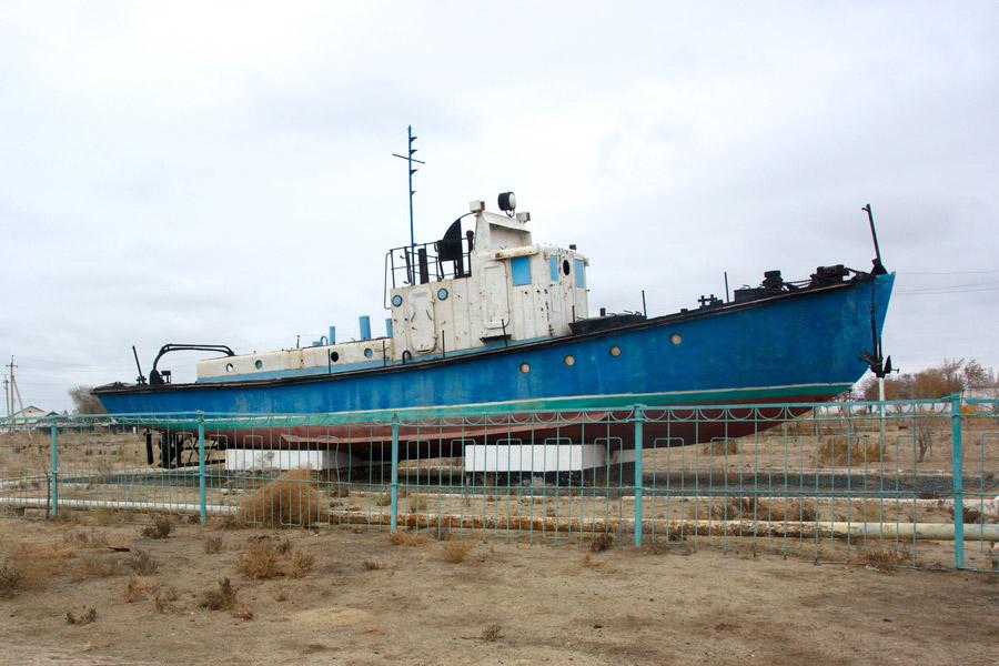 ship-in-city