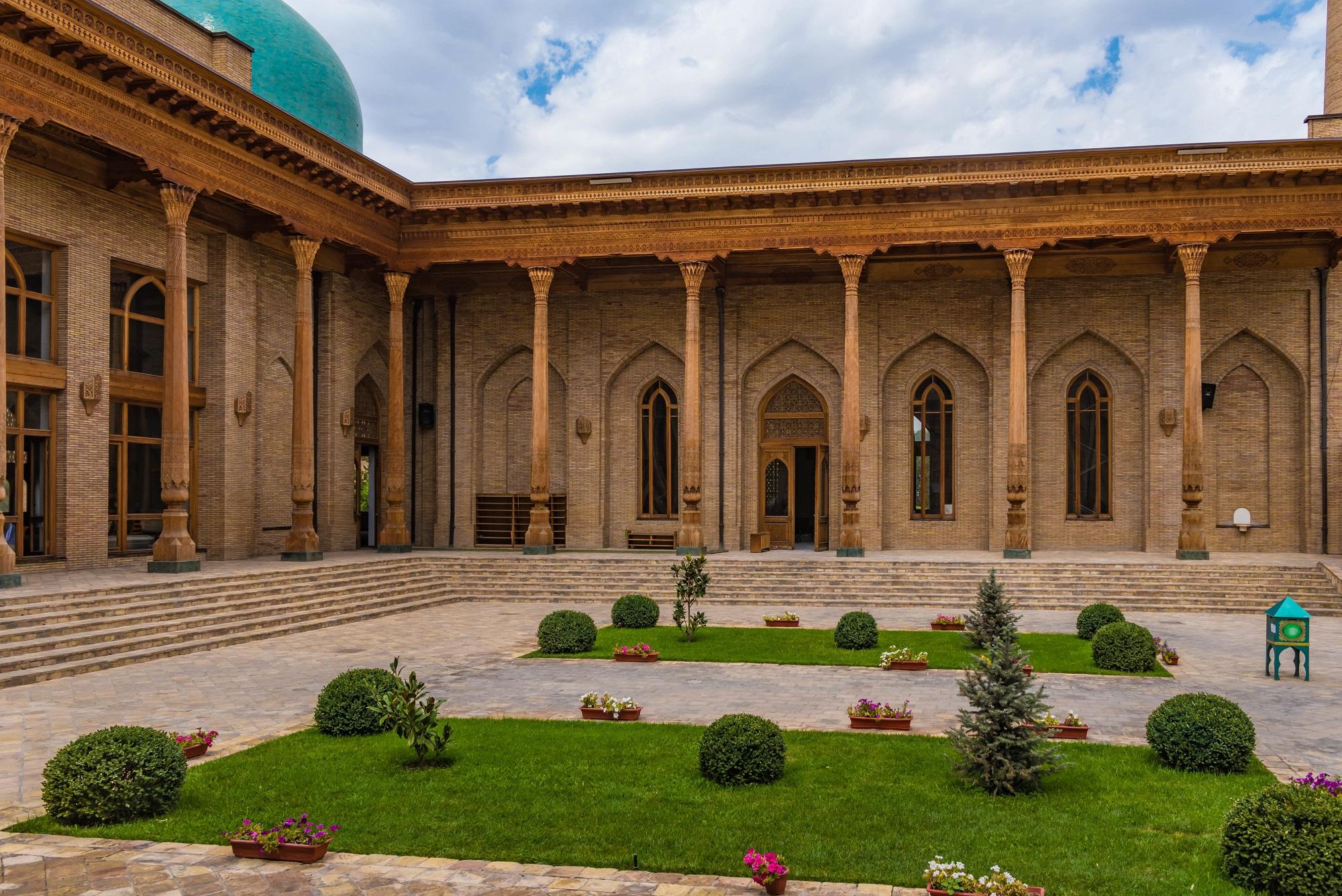 Innenhof Khast Imam Moschee, Taschkent, Usbekistan