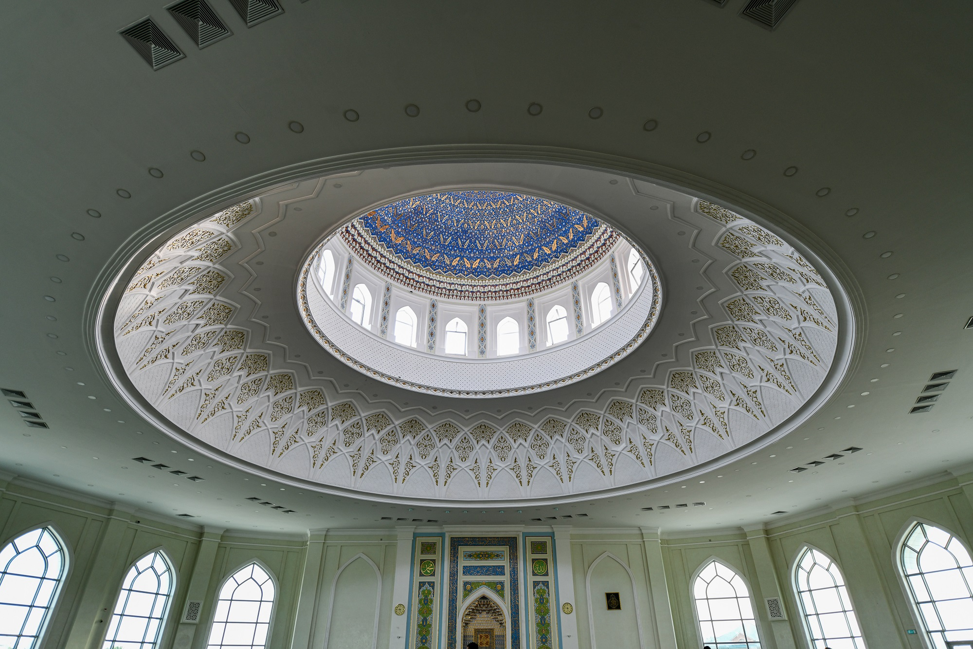 Tashkent, Uzbekistan - Interior of the Minor Mosque in Tashkent, Uzbekistan. It is a relatively new mosque opened on 1 October 2014.