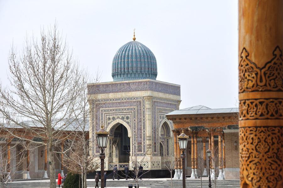 Al-Bukhari-Mausoleum2