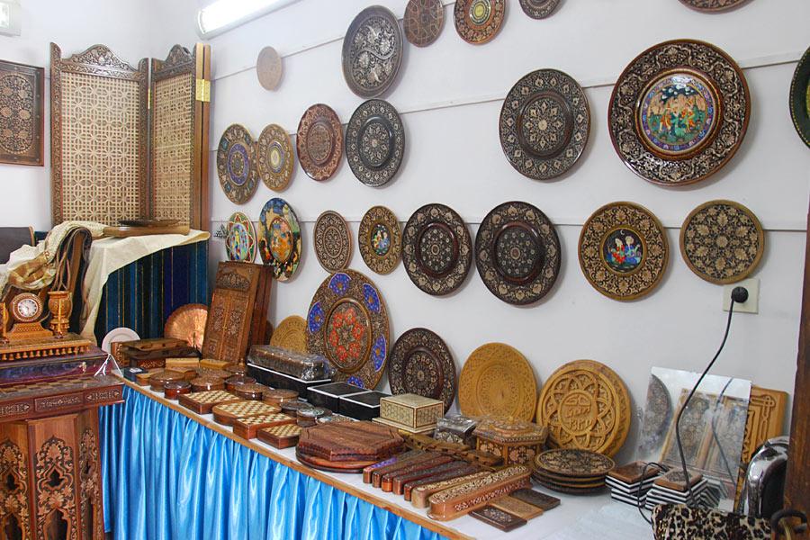 abulkasym-madrasah-carvings