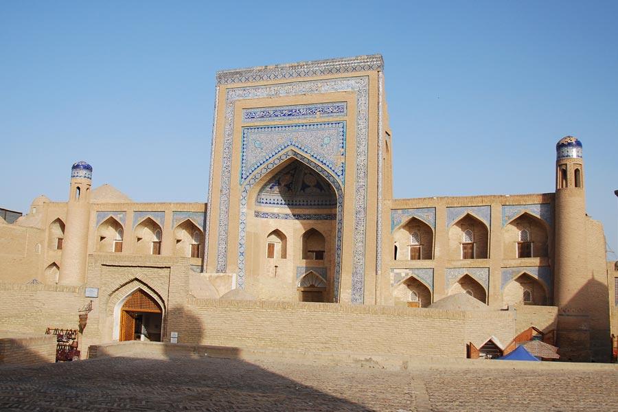 allakuli-khan-madrasah