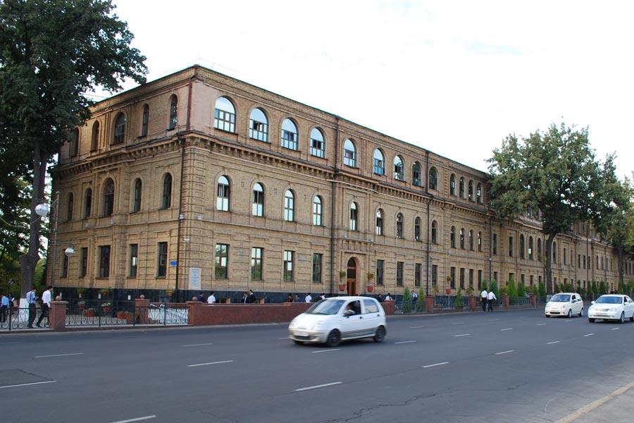 amir-temur-square13