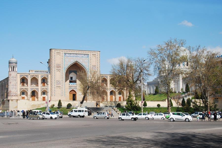 khoja-akhrar-mosque3