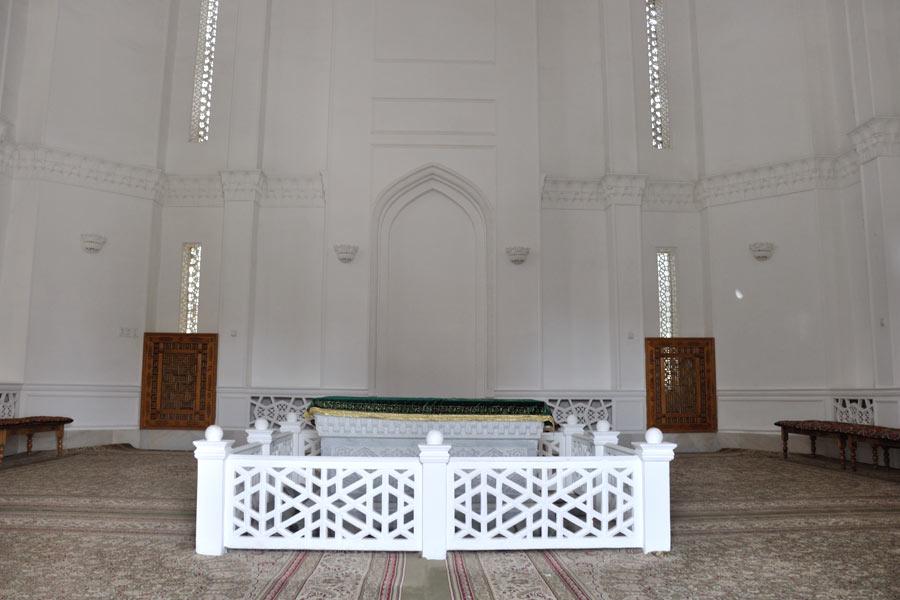 moturidi-mausoleum4