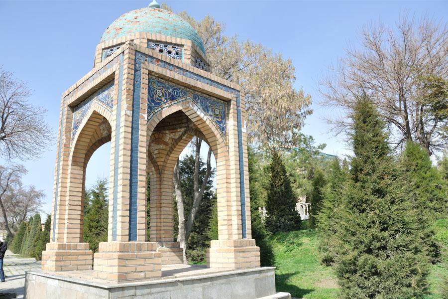 moturidi-mausoleum6