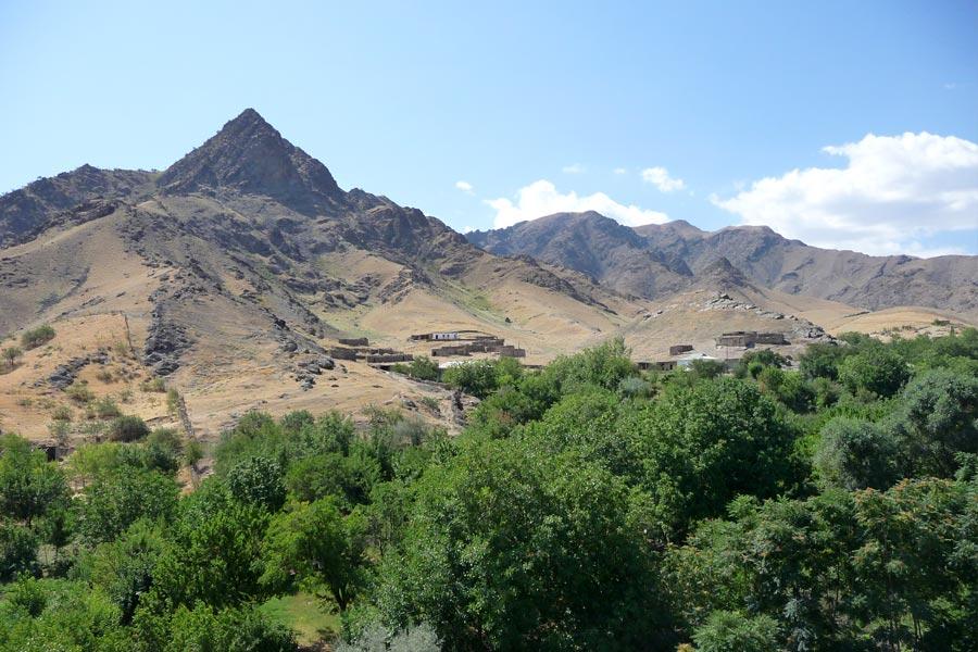 nuratau-mountains1