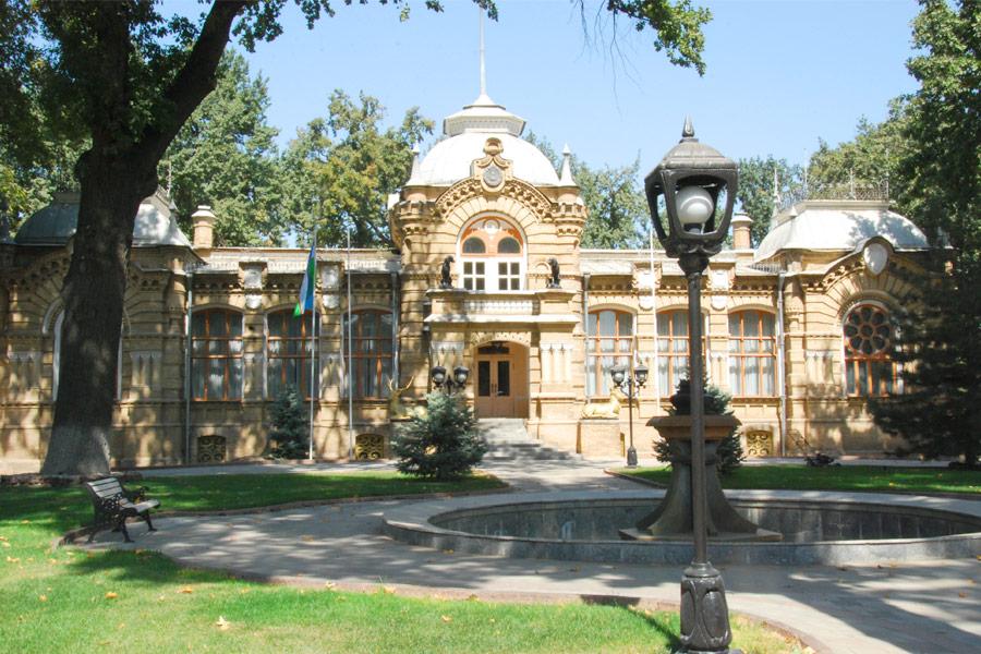 romanov-palace1