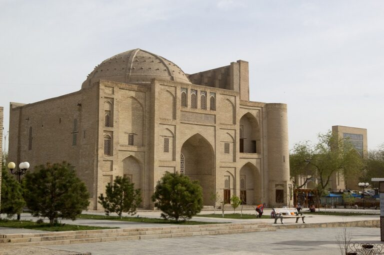 day trip to Bukhara from Tashkent