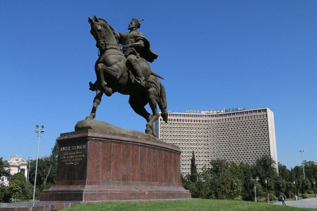 tour Uzbekistan in Depth