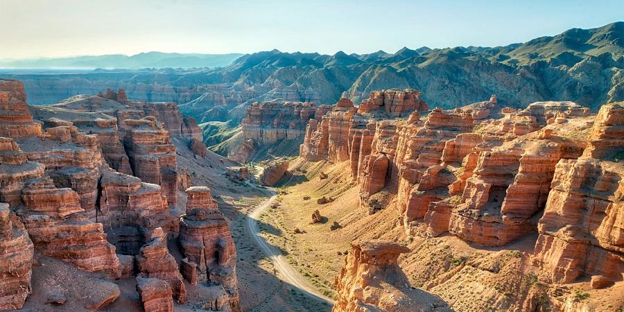 Charyn Canyon Tour