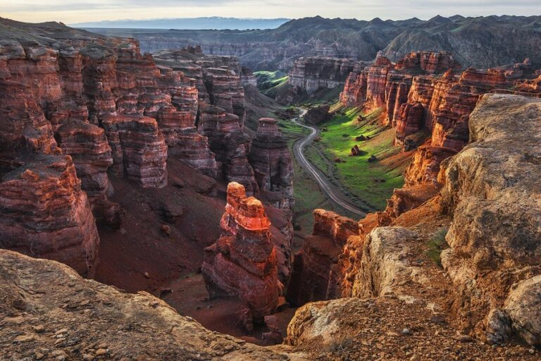 Charyn Canyon Tour