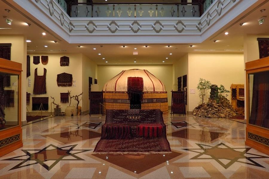 National Turkmen Carpet Museum (1)