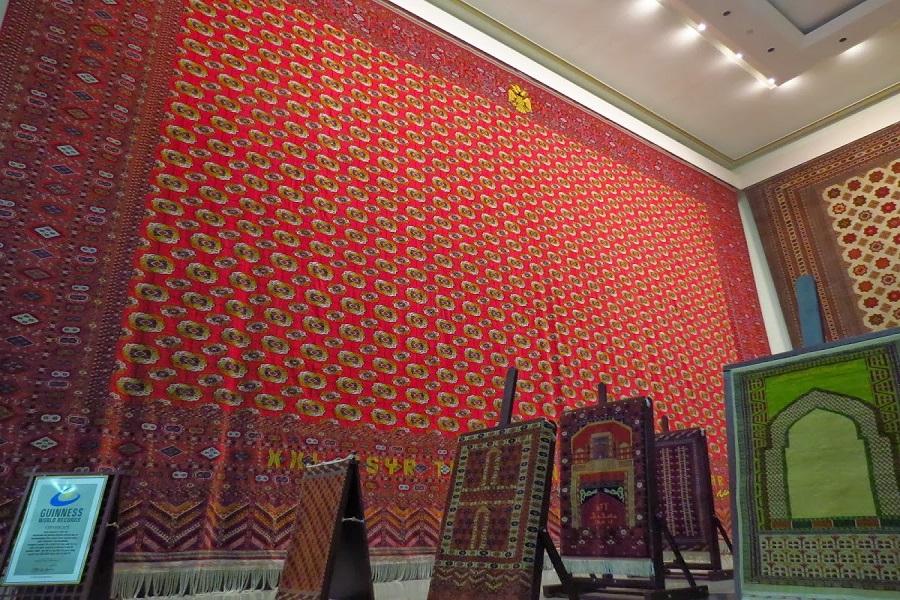 National Turkmen Carpet Museum (3)