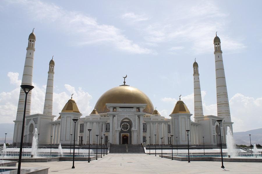 Turkmenbashi Ruhy Mosque (1)