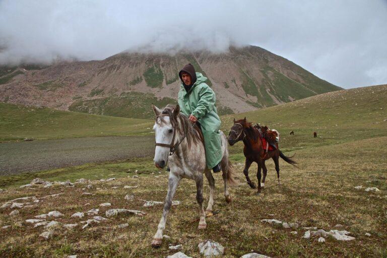 Horse Riding Tour in Mountains