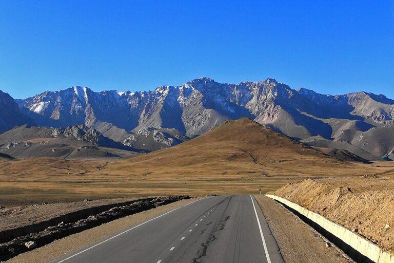 Zum Torugart-Pass